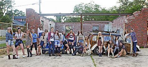 senior model shoot   class    set hipster pensacola photographer arielle