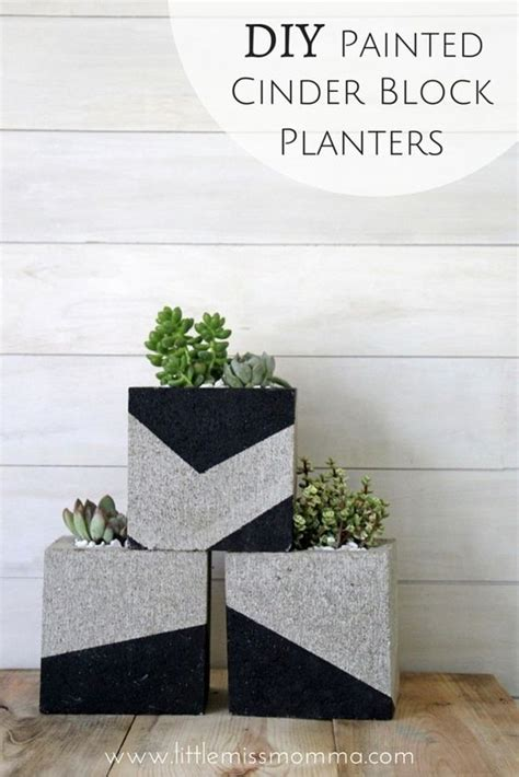 How To Build A Cinder Block Planter Wall by 1000 Ideas About Concrete Block Retaining Wall On