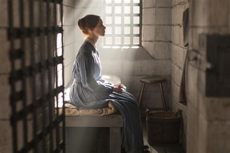 libro 2017 carmine mini day at a time alias grace netflix debuts photos of miniseries