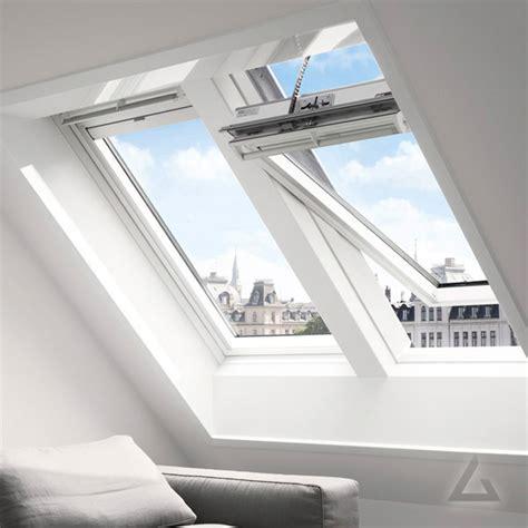 Holz Dachfenster Lackieren by Velux Elektrofenster Im Dachgewerk Dachfenster Shop