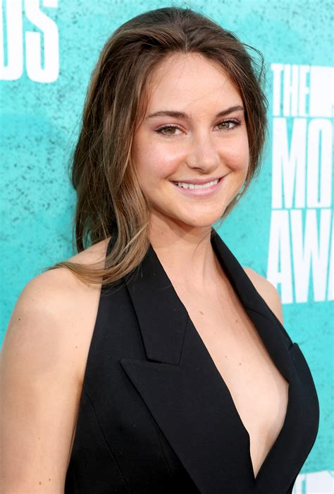 shailene woodley 2018 hair eyes feet legs style