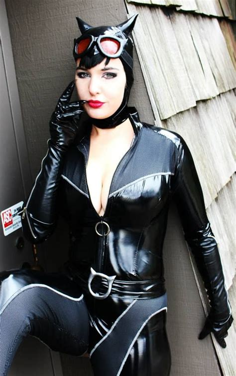 latex costume tutorial lisa lou who as catwoman cosplay girls pinterest