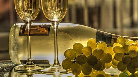 imagenes de uvas de año nuevo tradiciones para fin de a 241 o restaurantes cena de a 241 o