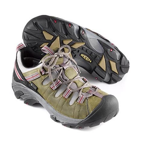 trail running shoes vs hiking boots trail running shoes vs hiking boots 28 images trail