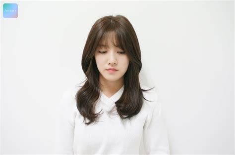 waivy korean hair style wavy layered cut kpop korean hair and style