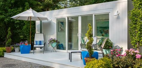 elbar pool houses from shipping cabana in a box company converts shipping containers into cool functional pool houses pool