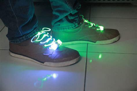 Grosir Tali Sepatu Kodian jual new model high quality tali sepatu led shoelace barang unik china reseller dropship grosir