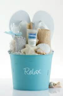 spa gift basket ideas 25 best ideas about spa gift baskets on spa gifts s day gift baskets and