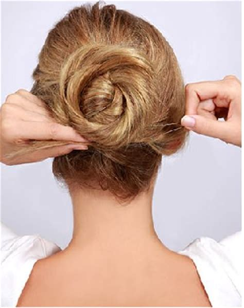 tutorial cepol rambut simple tutorial rambut gaya cepol sederhana untuk santai hingga