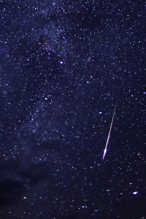 Perseid Meteorite Shower by Perseid Meteor Shower 2013 Photos From Around The World