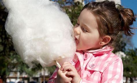 come fare lo zucchero filato in casa quante calorie contiene lo zucchero filato mamme magazine