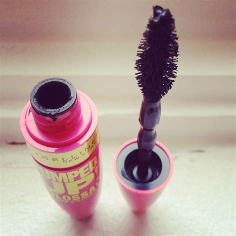 Review Dan Mascara Maybelline maybelline volum express pumped up colossal mascara