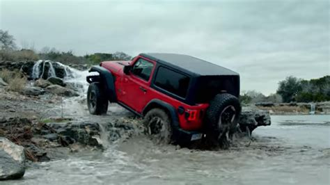 jeep ads jeep s third bowl commercial features the wrangler
