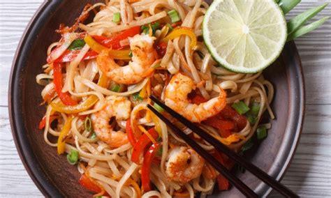 cuisine thailandaise facile recette de pad tha 239 savoureuse et facile 224 pr 233 parer