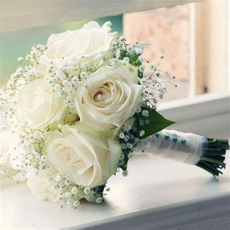 White Wedding Flower Pictures by Jo Tom S Real Wedding Wedding Flowers Small Flowers