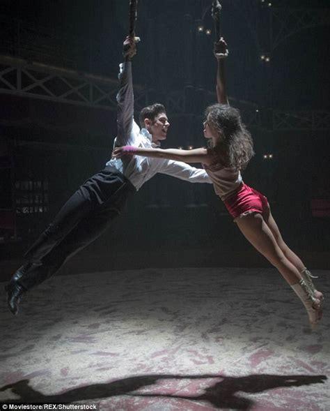 zac efron zendaya scene zendaya on kissing zac efron in the greatest showman