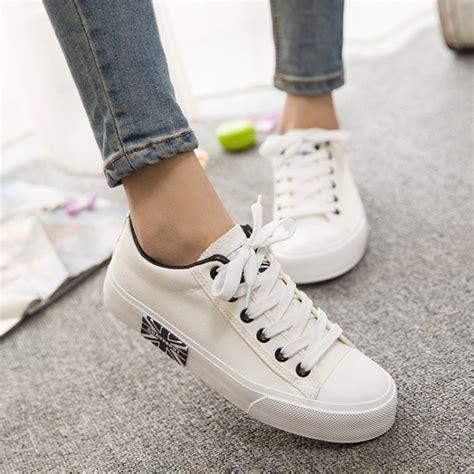 Sepatu Fila Kanvas popular plain white sneaker buy cheap plain white sneaker