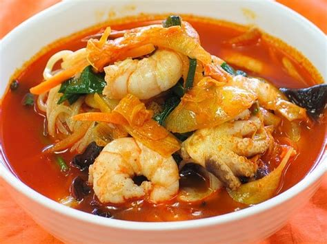 Seafood Picks Korekan Seafood Isi 2 spicy seafood noodle soup samseon cham pong recipe by cookeatshare