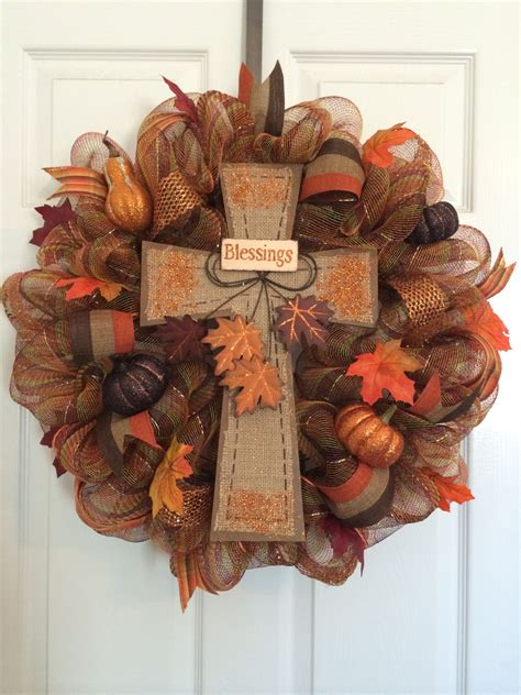 How To Make Mesh Wreaths For Front Door 55 Awesome Wreaths To Adorn Your Front Door Fall Deco Mesh Wreaths And Robins