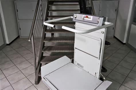 montascale a pedana montascale a piattaforma pedana servoscala fluido di