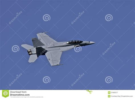 hornet flight us navy f 18 super hornet in flight at fleet week editorial photography image 21600377
