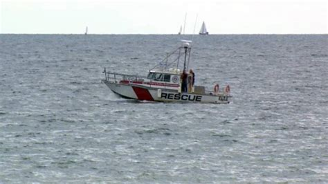 lake rescue boats body of missing kayaker found on lake ontario shore ctv