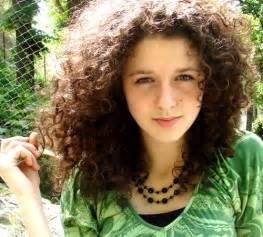 hair cuts for course curly frizzy hair 30 overwhelming cute curly hairstyles creativefan