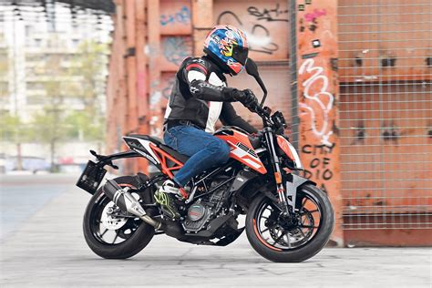 125ccm Motorrad Duke by Ktm 125 Duke 2017 On Review Mcn