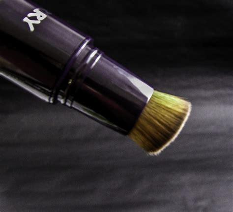 by terry light expert click brush illuminating flawless foundation by terry light expert click brush illuminating flawless