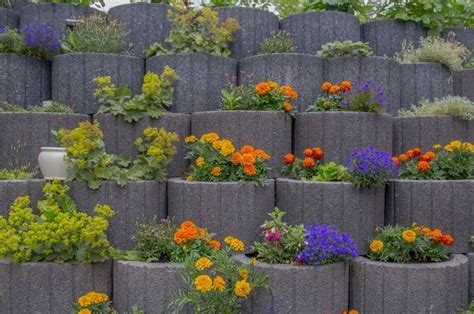 retaining wall ideas   blow  mind garden