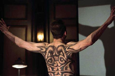 ralph fiennes tattoo in red dragon based on william blake