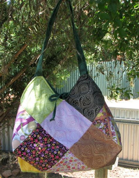 Quilted Hobo Bag Pattern by 25 Diy Quilted Handbags Guide Patterns