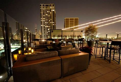 parker  hotel lincolns  floor rooftop lounge thrillist chicago