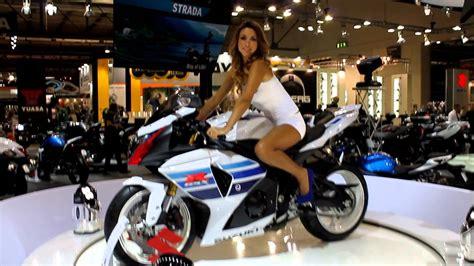 Youtube Motorradmesse by Eicma 2012 La Suzuki Gsx R 1000 Youtube