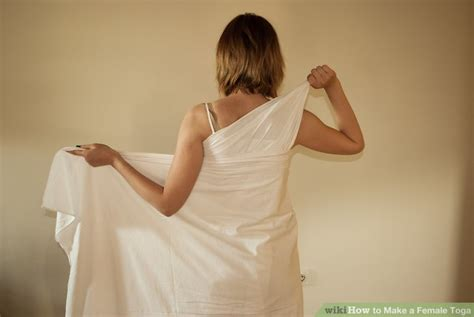 How To Make A Dress Out Of Wrapping Paper - 2 easy ways to make a toga with pictures wikihow