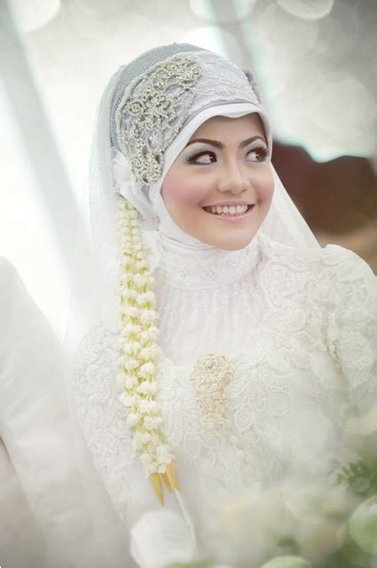 Kerudung Pengantin Bridal pin tags brides just married muslim couples wedding pictures on