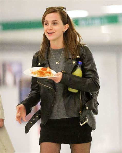 emma watson eating emma watson eating pizza yes we eat pinterest emma