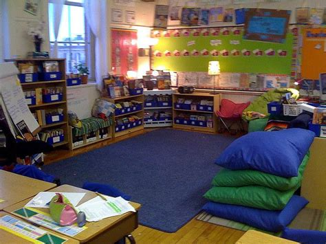 classroom layout meeting 82 best classroom reading area images on pinterest