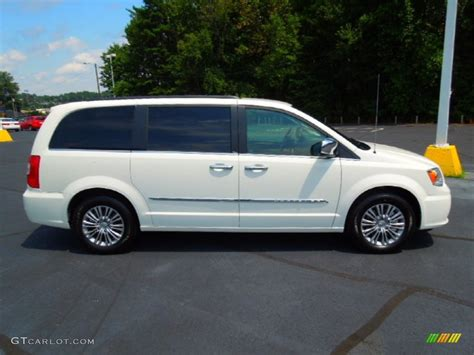 2010 Chrysler Town And Country Specs by 2010 Chrysler Town Country Review Ratings Specs Html