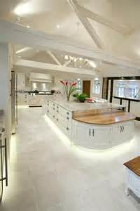 large kitchens design ideas best 25 large kitchen design ideas on