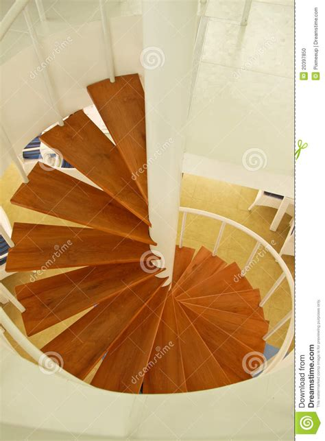 Spirale Di Legno by Scala A Spirale Di Legno Fotografia Stock Immagine 20397850