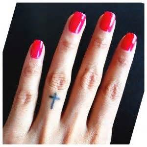 finger tattoo not healing 10 best hard to keep areas and exles of healed