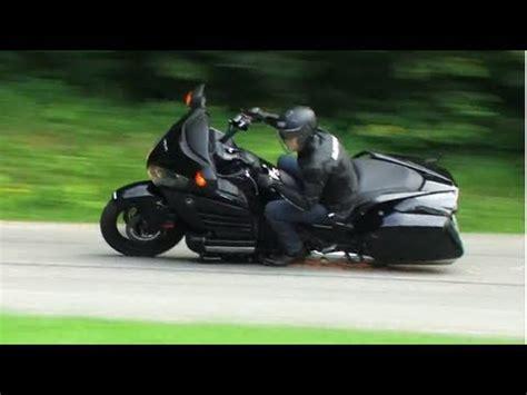 Motorrad Stunt Show 2015 Hamburg by Ikwilvanmijnmotorfietsaf Nl Posers Crashen Hun Harley