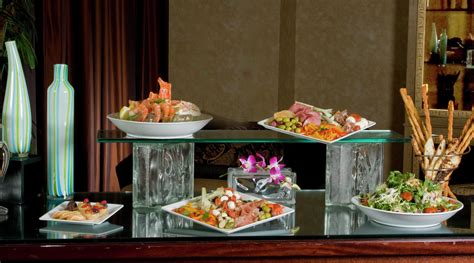 room food in room dining catering pyramid cafe delivery luxor hotel casino
