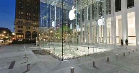 3 Apple Store microsoft planning on bringing a retail store to new york city s fifth ave afterdawn