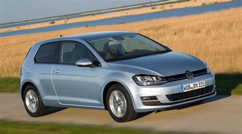 2013 Volkswagen Golf Tdi Review by Vw Golf Mk7 Bluemotion 2013 Review By Car Magazine