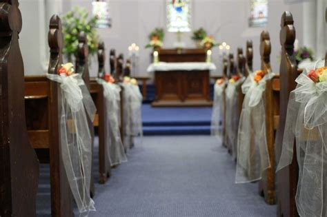 Decorating With Church Pews by Church Pew Decorations Orange Wedding Flowers