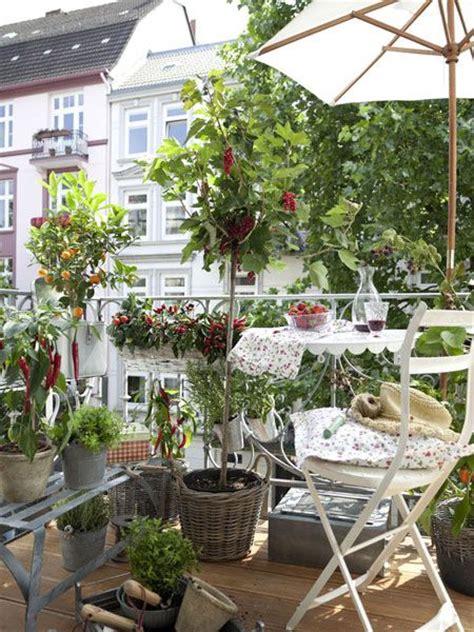 gem 252 se und kr 228 uter auf dem balkon outdoor living - Gardening Balkon