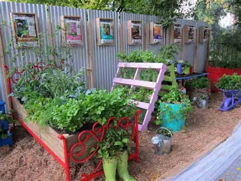 Recycled Garden by Recycled Pallet Gardening Ideas Recycled Things