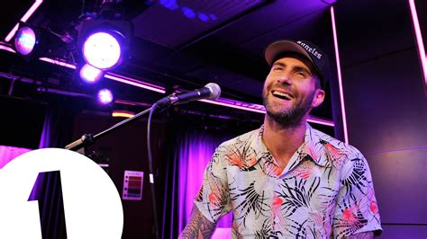 maroon 5 live maroon 5 cover pharrell s happy in the live lounge youtube